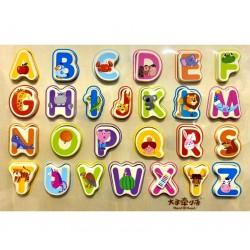 Puzzle incastru din lemn Litere Mari cu Animalute inscriptionate