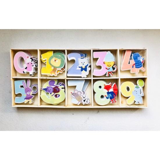 Cifre colorate din lemn 0-9