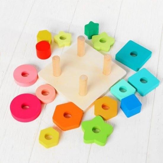 Sortator forme geometrice colorate pe 4 coloane