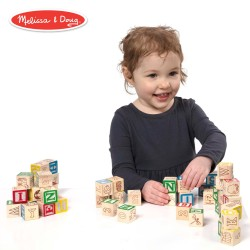 Cuburi din lemn cu litere, cifre si imagini